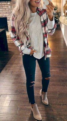 winter outfits with uggs trendy winter-outfits, zu - winteroutfits Fall Fashion Outfits, Casual Winter Outfits, Mode Outfits, Chic Outfits, Trendy Outfits, Cute Flannel Outfits, Womens Fashion, Fashion Trends, Travel Outfits