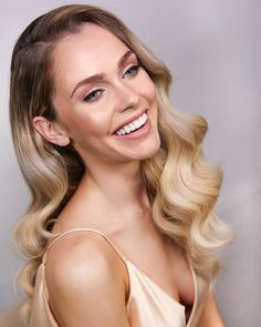 wedding hair waves Nothing makes a woman look as good as a gorgeous smile paired up with luscious Hollywood waves. Best Bridal Makeup, Wedding Hair And Makeup, Bridal Hair, Bridal Makeup For Blue Eyes Blonde Hair, Bride Hairstyles, Down Hairstyles, Hairstyle Ideas, Hairstyle Wedding, Homecoming Hairstyles
