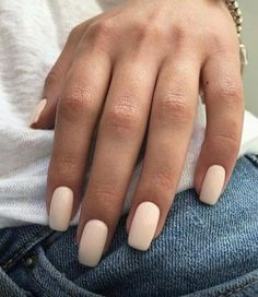 In look for some nail designs and some ideas for your nails? Here is our listing of must-try coffin acrylic nails for trendy women. White Nails, Red Nails, Hair And Nails, White Summer Nails, Pastel Nails, Bling Nails, Christmas Manicure, Strong Nails, Nagel Gel