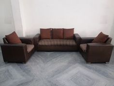 For Sale 5 Seater Fabric and Leatherite Sofa Set For More Information Please Visit  http://usedfurnitures.in/product/5-seater-fabric-sofa-set-1639 or  www.usedfurnitures.in