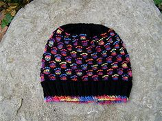 Crochet Beanie Design A quick and easy slip stitch hat pattern to match the Newfoundland Mitts pattern by Traditional Design. Crochet For Beginners Headband, Crochet Kids Scarf, Crochet Headband Pattern, Crochet Socks, Crochet Beanie, Knit Or Crochet, Easy Crochet, Knitted Mittens Pattern, Knit Mittens