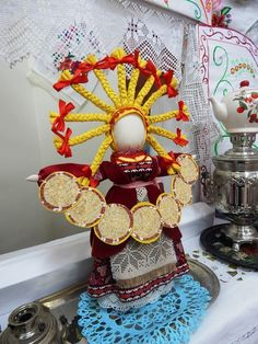 Clay Dolls, Art Dolls, College Crafts, Matryoshka Doll, Russian Folk, Fabric Art, Handmade Toys, Sewing Hacks, Jute