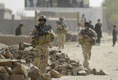 El primer ministro de Australia, Tony Abbot, se ha comprometido a desplazar 300 efectivos a Irak en una operación conjunta con Nueva Zelanda.
