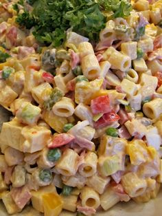 Ruokapankki: Chilipastasalaatti Chili Pasta, Finnish Recipes, Cooking Recipes, Healthy Recipes, Sweet And Salty, Pasta Salad, Food To Make, Side Dishes, Cake Recipes
