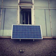 www.photovoltaik.one  A small mini generator with a single inverter! #guerillasolar #balkonsolar #minisolaranlage #solar #photovoltaik #photovoltaic #energie #erneuerbareenergie #sun #sunenergy #photovoltaikspeicher #energie #solecollector #solarenergy #solarmodule #nicesolargenerator #schön #schönephotovoltaikanlage #solaristzukunft
