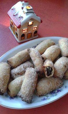 This no all / Disznóól - KonyhaMalacka disznóságai: Szilvalekvárral töltött… Poppy Cake, Cookie Recipes, Dessert Recipes, European Dishes, Hungarian Recipes, Italian Desserts, Waffle Iron, Cake Cookies, Christmas Cookies
