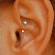 -Cute piercing, jewelry too! Cute piercing, jewelry too! Ear Peircings, Cute Ear Piercings, Body Piercings, Unusual Piercings, Female Piercings, Piercings For Girls, Tongue Piercings, Piercing Tattoo, Faux Piercing