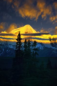 ~~Alaska Alpenglow ~ amazing light by Carlos Rojas~~