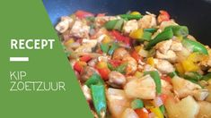 Kip in Zoetzure saus in zo'n gerecht dat veel mensen uit een pot eten. Lekker makkelijk natuurlijk, maar veel mensen realiseren zich niet dat zo'n pot zoetzure saus maar liefst 30 suikerklontjes bevat. Als je …