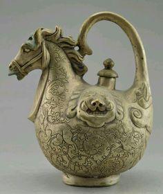 Chinese horse tea pot