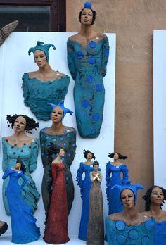 Ingun Dahlin, Norway Ceramic Figures, Clay Figures, Clay Dolls, Art Dolls, Ceramic Mask, Clay People, African Dolls, Sculptures Céramiques, Pottery Sculpture