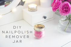 DIY NAIL POLISH REMOVER JAR Hacks Diy, Craft Projects, Project Ideas, Craft Gifts, Diy Beauty, Health And Beauty, Bath And Body, Diy And Crafts, How To Remove