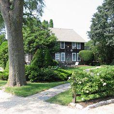 Seaside Cottage Rentals –Gansett Green Manor, Amagansett, New York