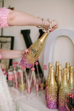 "DIY glitter your wine bottles and glasses for the ""getting ready"" drinks or even night before ♥ it"