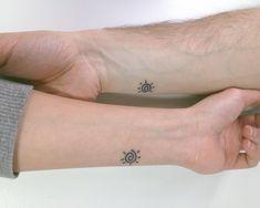tatuaje pareja sol pequeño