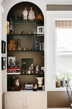 63 best book displays images in 2019 shelving book displays rh pinterest com