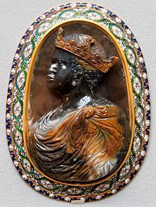 Cameo (carving) - An African king. 16th century