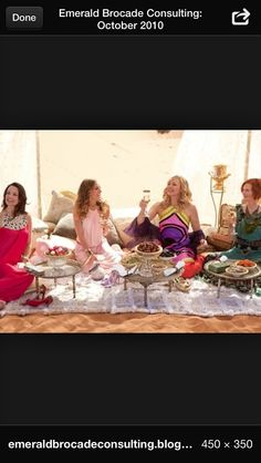 The story finds the four friends, Carrie (Sarah Jessica-Parker), Samantha (Kim Cattrall), Charlotte (Kristin Davis) and Miranda (Cynthia Nixon) on an all expenses paid vacation in Abu Dhabi. Sarah Jessica Parker, Kristin Davis, Kim Cattrall, Samantha Jones, Samantha Wills, Elie Saab, Carrie Bradshaw Estilo, Wedding Wallpaper, Cynthia Nixon
