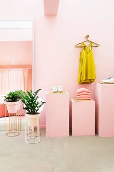 lou and grey nyc store dressing room display in pink