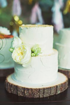 24 Small Wedding Cakes With Big Style Small wedding cakes and