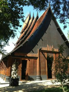 Baan Dam (The Black House) by renowned Thai artist Thawan Duchanee in Chiang Rai, Thailand Asian Architecture, Beautiful Architecture, Thailand Adventure, Thailand Travel, Culture Of Thailand, Chiang Rai Thailand, Thai Design, Thai House, Classic Building