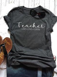 Teacher tees jane cricuit stuff teacher outfits, teaching shirts и preschoo Shirt Refashion, Diy Shirt, Teacher Outfits, Teacher Gifts, Teacher Fashion, Teacher Wear, Moda Professor, Teaching Shirts, Preschool Teacher Shirts