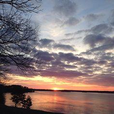 Sunrise over Lake Lanier. #ExploreGeorgia [Photo by @jill_graham_phillips]