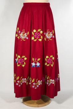 The traditional costume embroidery from Lihula Parish, Lääne County, Estonia. Folk Costume, Costumes, Needlepoint, Folk Art, Needlework, Floral Design, Textiles, Culture, Embroidery