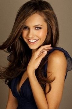 Post the best Nina Dobrev hair style. - Post the best hair style from Nina and win the props : place - 10 props place - 5 props question and answer in the Nina Dobrev club Cabelo Nina Dobrev, Nina Dobrev Hair, My Hairstyle, Pretty Hairstyles, Nina Dobrev Photoshoot, Corte Y Color, Hair Dos, Most Beautiful Women, Beautiful Life