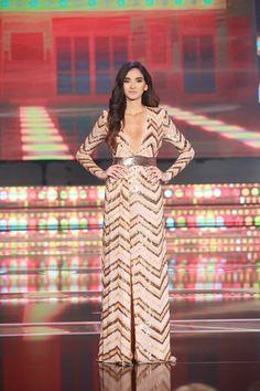 110 meilleures images du tableau robe simple   Plain dress, Woman ... 9eeb546beae