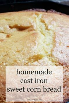 easy homemade cast iron sweet cornbread Do you like your cornbread sweet? You need to try this cast iron sweet cornbread recipe. A great side to chili! Are you team butter or honey? Southern Cornbread Recipe, Cornbread With Corn, Moist Cornbread, Honey Cornbread, Jiffy Cornbread, Homemade Cornbread, Sweet Cornbread Recipes, Broccoli Cornbread, Fried Cornbread