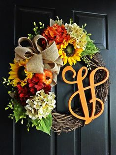 The Orange Felicity Fall Wreath, Autumn Wreath, Fall Wreath, Sunflower Wreath, B … – salon – Wreaths Wreath Crafts, Diy Wreath, Decor Crafts, Wreath Burlap, Grapevine Wreath, Wreath Ideas, Tulle Wreath, Orange Burlap Wreath, Burlap Crafts