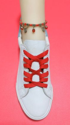 How to tie shoelaces Ways To Tie Shoelaces, Sagging Face, Face Wrinkles, Face Skin, Muscle, Exercise, Diy, Shoes, Ejercicio