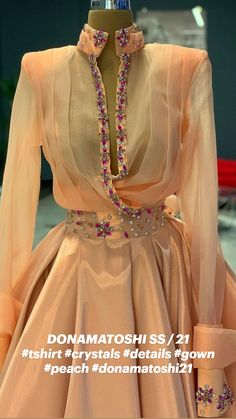 Classy Outfits, Chic Outfits, Dress Outfits, Fashion Dresses, Fancy Wedding Dresses, Elegant Dresses, Couture Fashion, Couture Outfits, Dinner Gowns