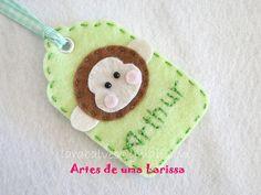 Tag Macaco by Artes de uma Larissa, via Flickr