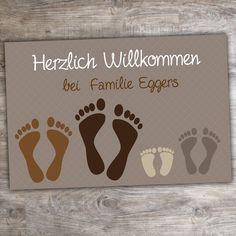 """Fußmatte """"Füße"""" mit Familiennamen - tolle Geschenkidee auch als Geburtstagsgesch Hochzeitsgeschenk oder Weihnachtsgeschenk"""