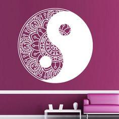 Yin und Yang sind zwei Begriffe der Philosophie. Yin ist männlich und aktiv und Yang ist weiblich und passiv. Zusammen sind es aufeinander bezogene Kräfte. #Yin #Yang #Wadeco // http://www.wadeco.de/mandala-yin-yang-wandtattoo.html