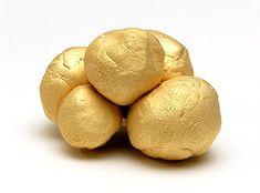 Brooch Boulder Golden by MIRJAM HILLER-DE