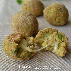 La recette du jour : les boulettes à la courgette et à la mozzarella fondante !