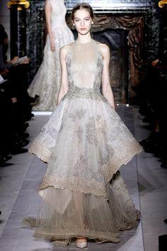 Valentino Spring 2013 Couture  image c/o: Style.com