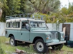 Derelict Find: Florida Land Rover For getting equipment and talent around: Perfect! for adventure too.