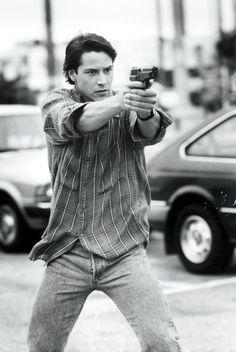 Keanu Reeves, es un actor de cine y televisión canadiense, conocido por sus intervenciones en películas como Point Break, My Own Private Idaho, Drácula, etc.