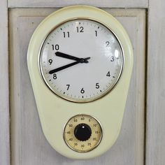 Super retro, what a find! Cream German clock and egg timer in full working order. Condition is vintage. Egg Timer, Battery Operated, German, Vintage Clocks, Eggs, Cream, Retro, Watches, Products