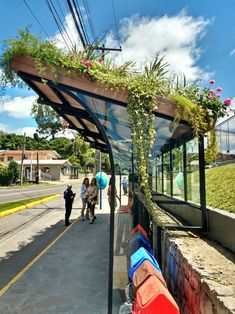 This bus shelter green roof Small green roofs! This bus shelter green roo Green Architecture, Contemporary Architecture, Landscape Architecture, Architecture Design, Chinese Architecture, Futuristic Architecture, Urban Landscape, Landscape Design, Landscape Lens