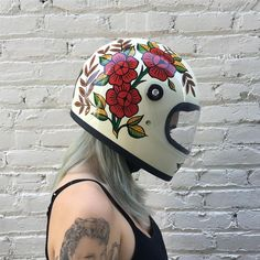 Babes ride out , hand painted helmet, motorcycle girl, female rider - Hot Girls zzz - Motorrad Motorcycle Boots Outfit, Motorcycle Helmet Design, Female Motorcycle Riders, Womens Motorcycle Helmets, Motorcycle Tattoos, Motorcycle Gear, Monster Motorcycle, Bike Helmets, Racing Helmets