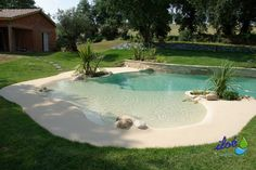 pool A wonderful continue reading more about Front House Landscaping Z Mesh, An Innovative Floor Hea Beach Entry Pool, Backyard Beach, Backyard Pool Designs, Small Backyard Pools, Small Pools, Swimming Pools Backyard, Swimming Pool Designs, Backyard Patio, Beach Pool