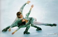 Maya Usova and Alexander Zhulin ice dancers 1992 Albertville Olympics. Love this pose! Ballet on ice.