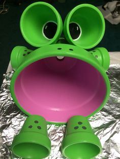 Clay pot frog