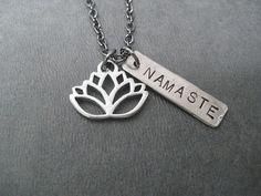LOTUS FLOWER NAMASTE Yoga Necklace  Yoga Jewelry  por TheRunHome, $19.00