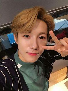 🥀nct's huang renjun uploaded by garcey on We Heart It Winwin, Taeyong, Jaehyun, Nct Dream, Nct 127, K Pop, Huang Renjun, Fandoms, Boyfriend Material